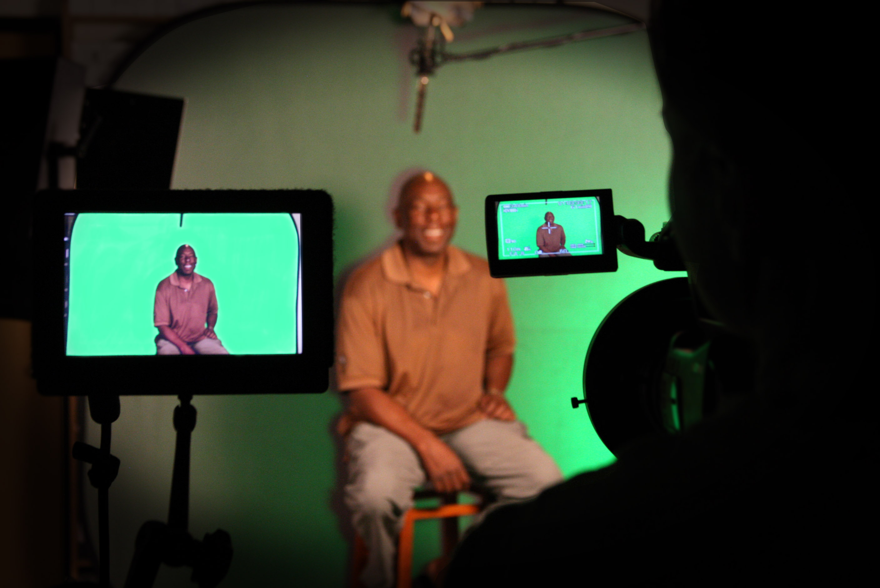 Film Creations Studio with Portable Green Screen
